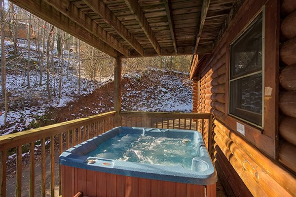 Photo of a Sevierville Cabin named Sierra's Mountain Retreat - This is the seventh photo in the set.