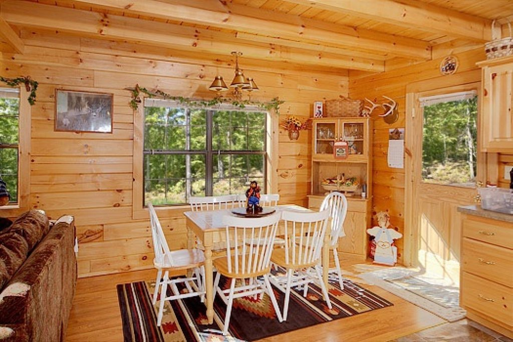 Photo of a Pigeon Forge Cabin named Shy Bear - This is the eighth photo in the set.