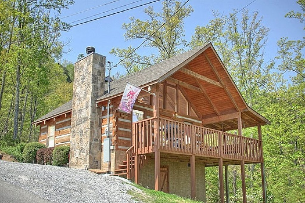 Photo of a Sevierville Cabin named Do Not Disturb - This is the first photo in the set.