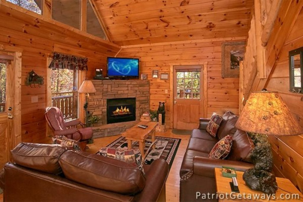 Photo of a Gatlinburg Cabin named The View - This is the third photo in the set.