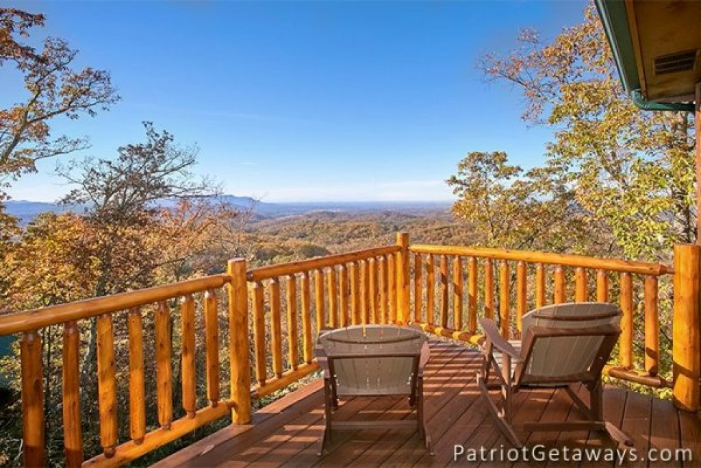 Photo of a Gatlinburg Cabin named The View - This is the fifteenth photo in the set.