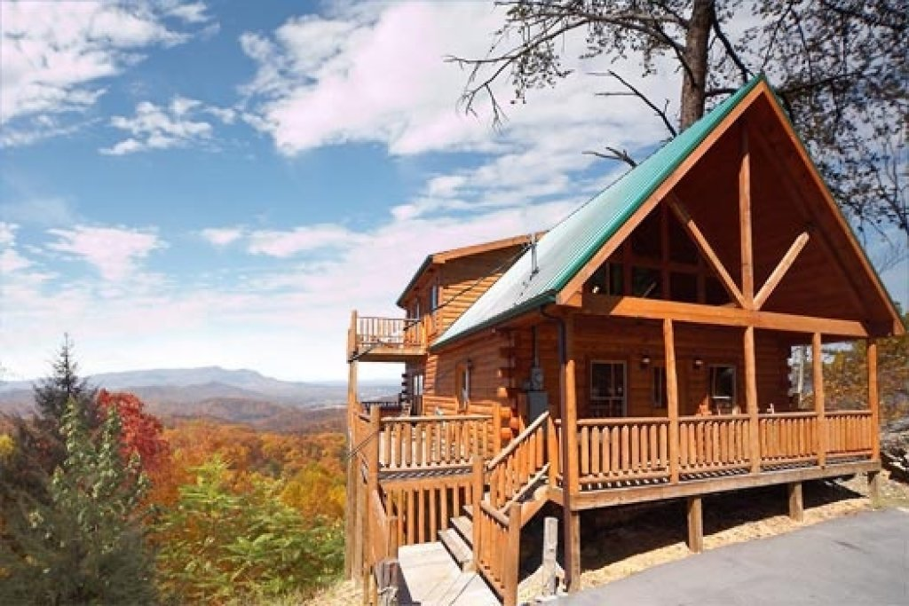 Photo of a Gatlinburg Cabin named The View - This is the first photo in the set.