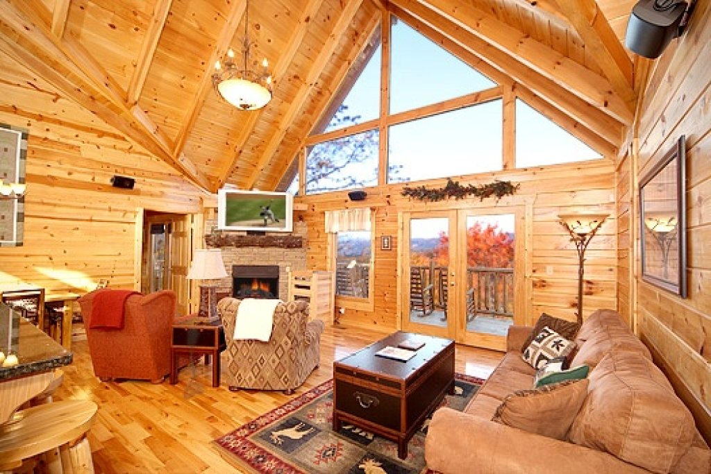 Photo of a Gatlinburg Cabin named Moose Mountain Lodge - This is the second photo in the set.
