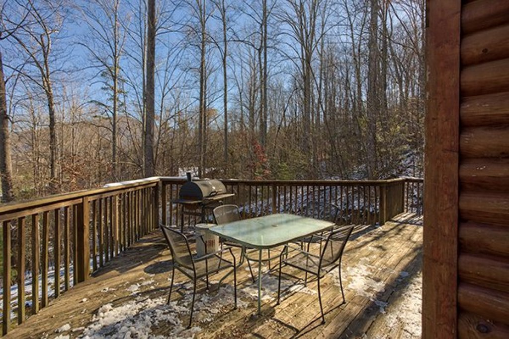 Photo of a Sevierville Cabin named Sierra's Mountain Retreat - This is the sixth photo in the set.