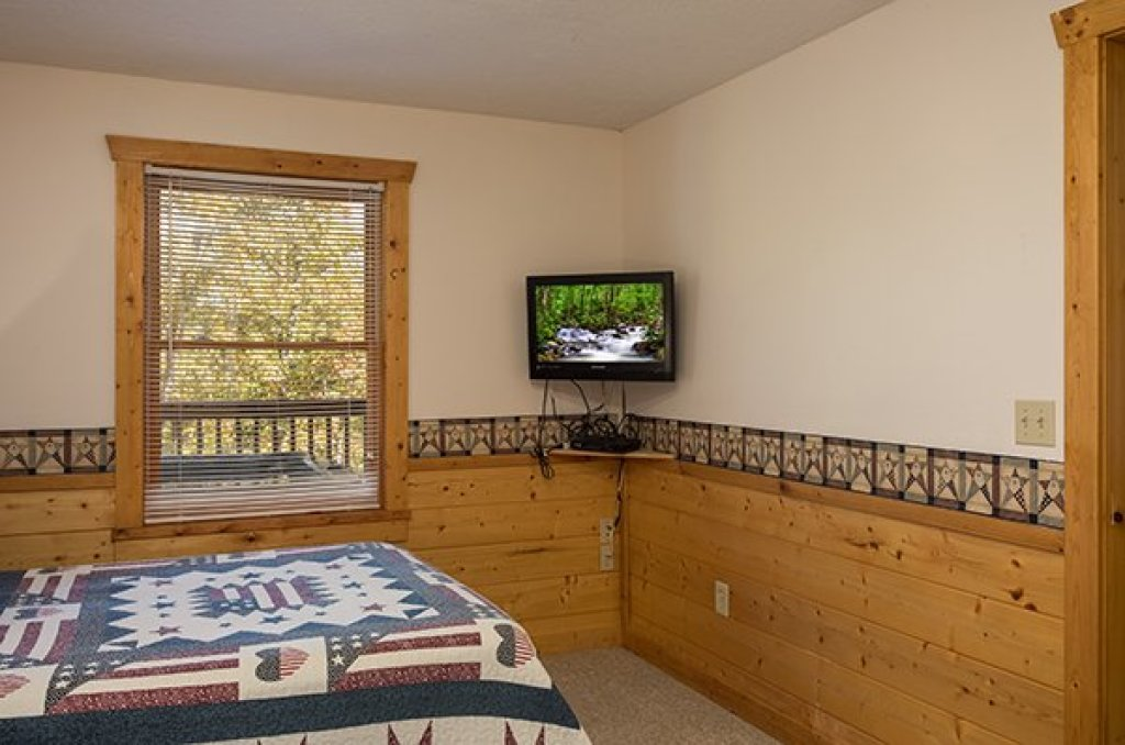 Photo of a Pigeon Forge Cabin named Southern Comfort Inn - This is the twenty-sixth photo in the set.