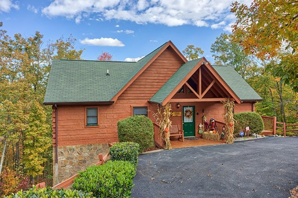 Photo of a Pigeon Forge Cabin named Southern Comfort Inn - This is the first photo in the set.