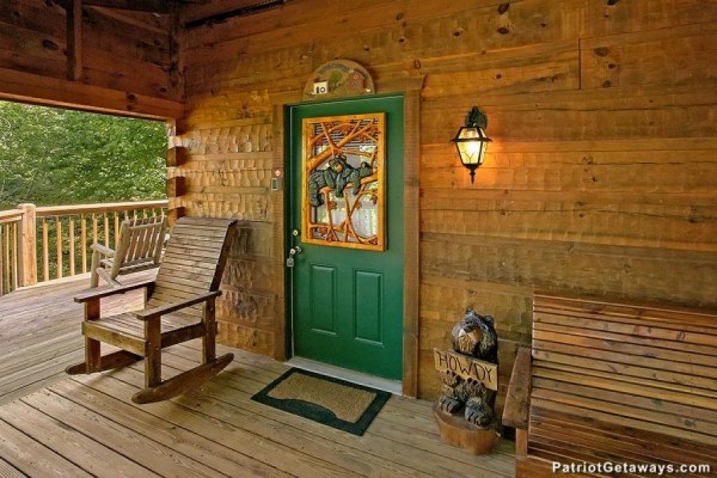 Photo of a Pigeon Forge Cabin named Picture Perfect Hideaway - This is the third photo in the set.