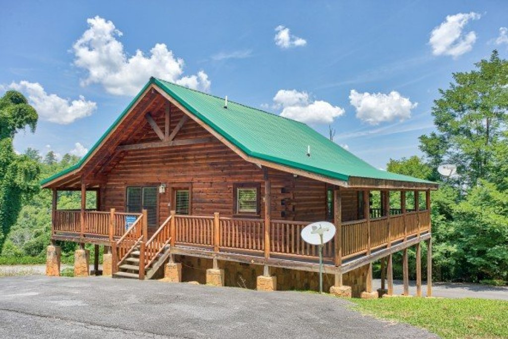 Photo of a Pigeon Forge Cabin named Majestic Sunrise - This is the fourteenth photo in the set.