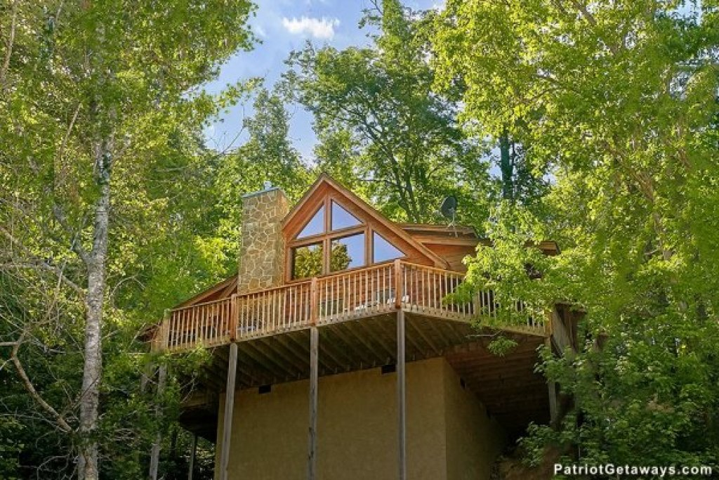 Photo of a Pigeon Forge Cabin named Picture Perfect Hideaway - This is the twenty-ninth photo in the set.