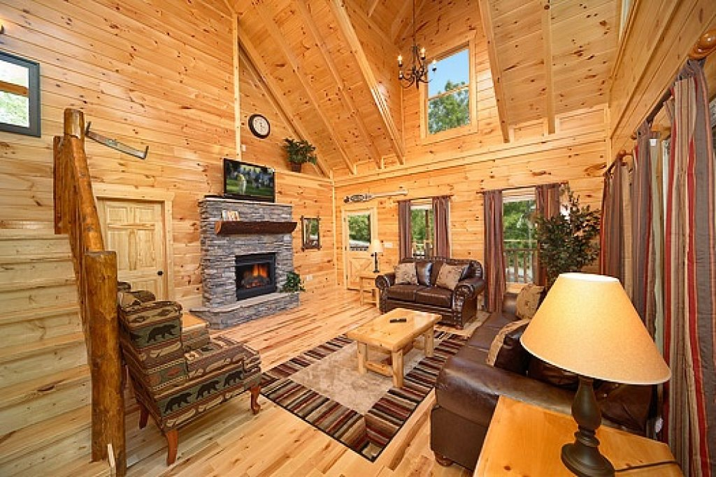 Photo of a Gatlinburg Cabin named Pool House - This is the sixth photo in the set.