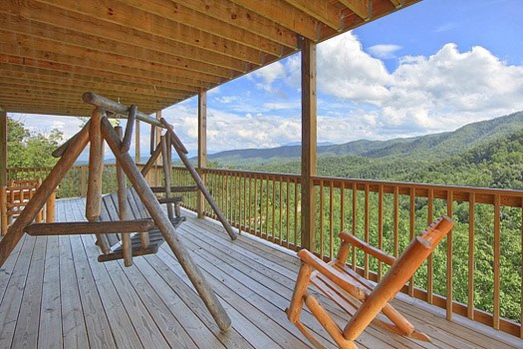 Photo of a Pigeon Forge Cabin named Southern Sunrise - This is the twenty-third photo in the set.