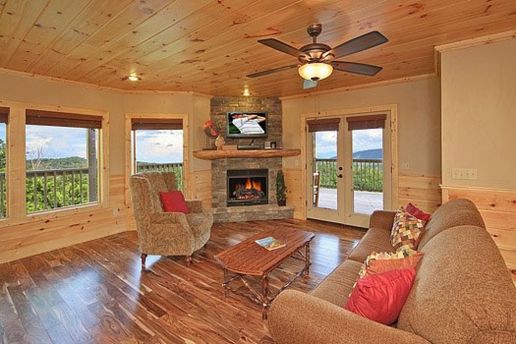 Photo of a Pigeon Forge Cabin named Southern Sunrise - This is the nineteenth photo in the set.