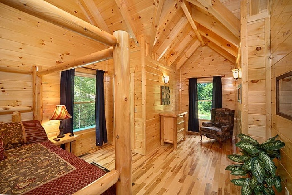 Photo of a Gatlinburg Cabin named Pool House - This is the twelfth photo in the set.