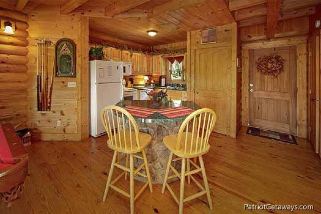 Photo of a Pigeon Forge Cabin named Swept Away - This is the sixth photo in the set.