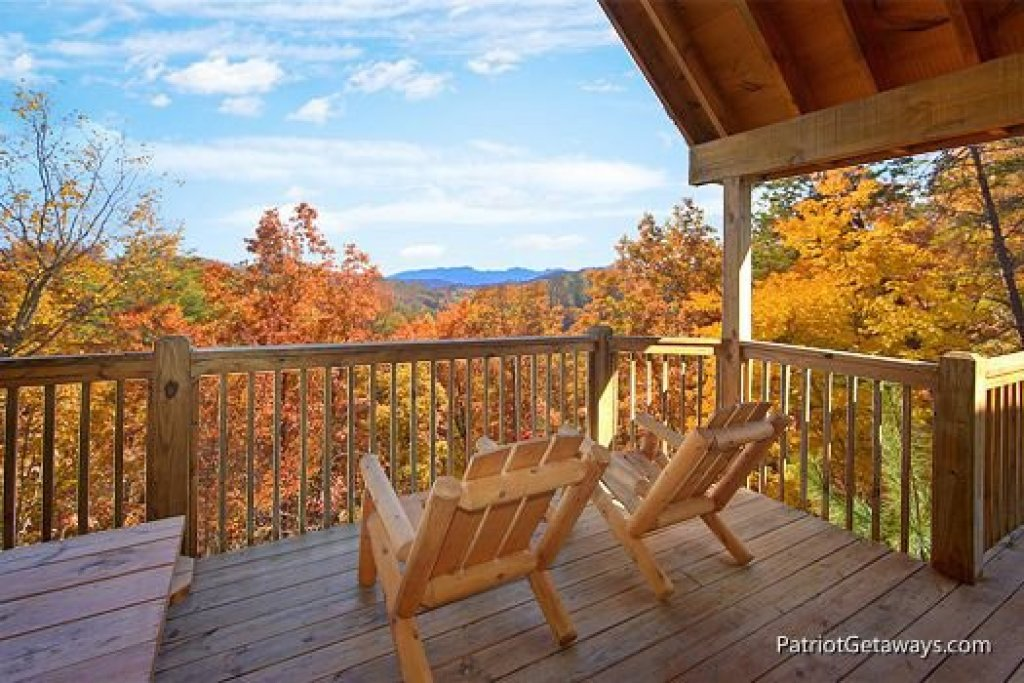 Photo of a Pigeon Forge Cabin named Southern Comfort Inn - This is the third photo in the set.