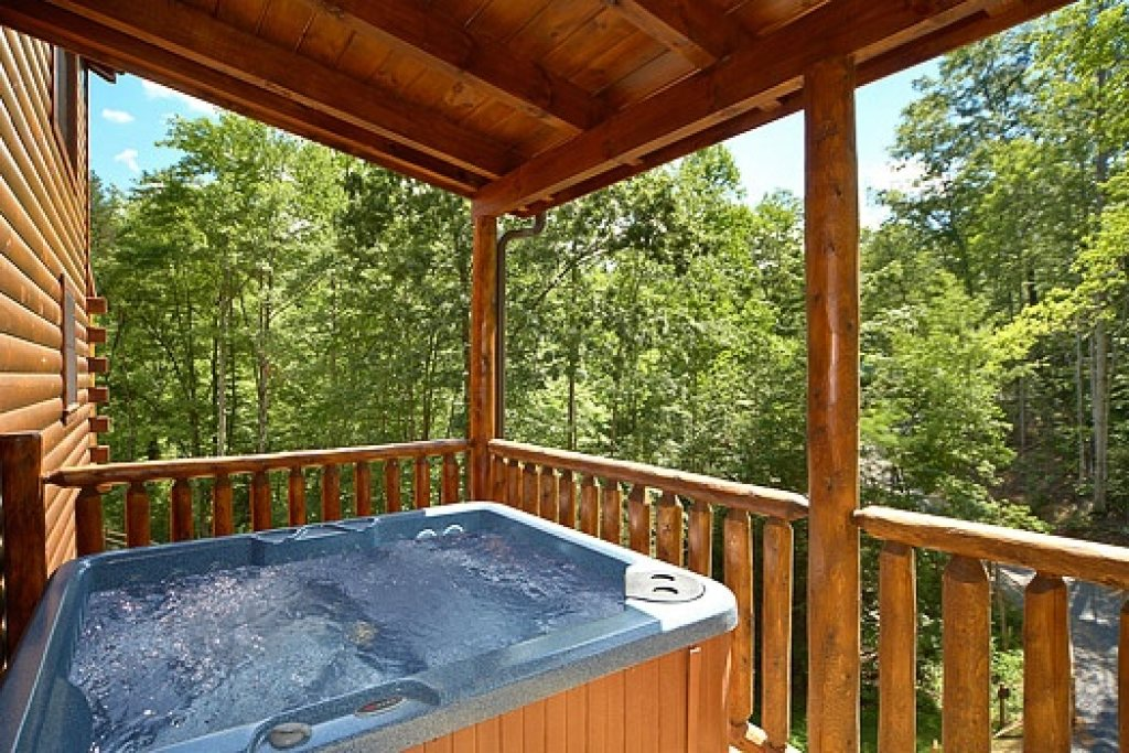 Photo of a Gatlinburg Cabin named Pool House - This is the fifth photo in the set.