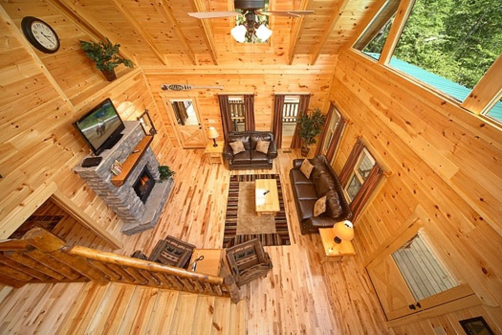 Photo of a Gatlinburg Cabin named Pool House - This is the third photo in the set.