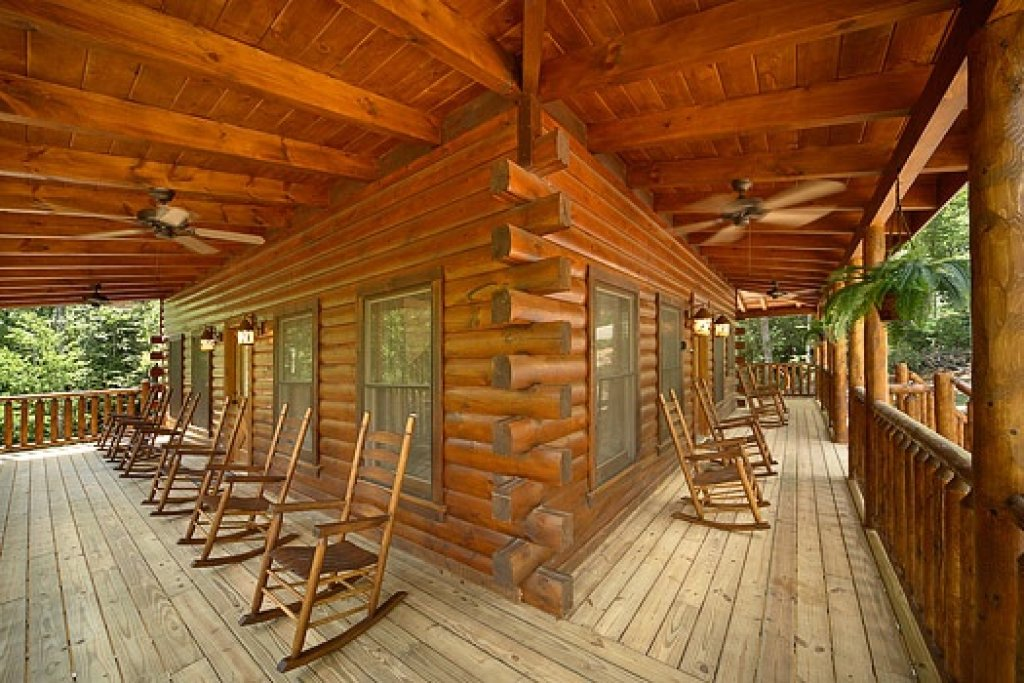 Photo of a Gatlinburg Cabin named Pool House - This is the first photo in the set.