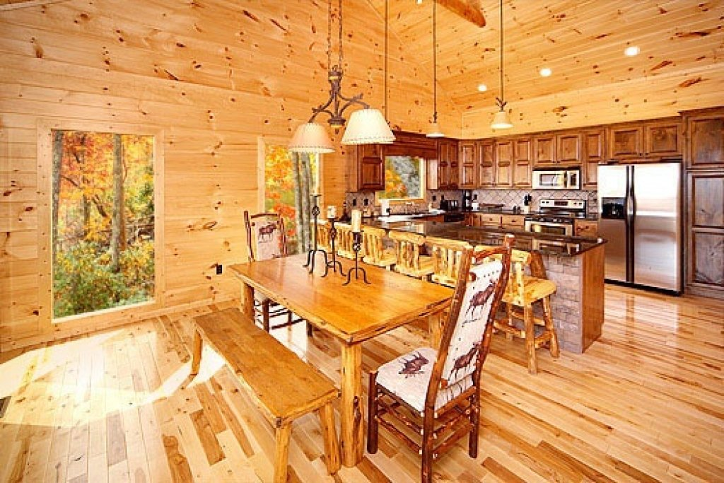 Photo of a Sevierville Cabin named Don't Blink! - This is the sixth photo in the set.