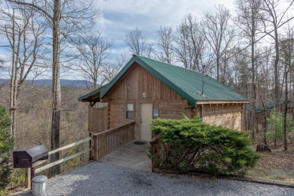 Photo of a Sevierville Cabin named Loving You - This is the first photo in the set.