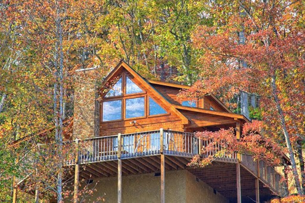 Photo of a Pigeon Forge Cabin named Picture Perfect Hideaway - This is the twenty-seventh photo in the set.