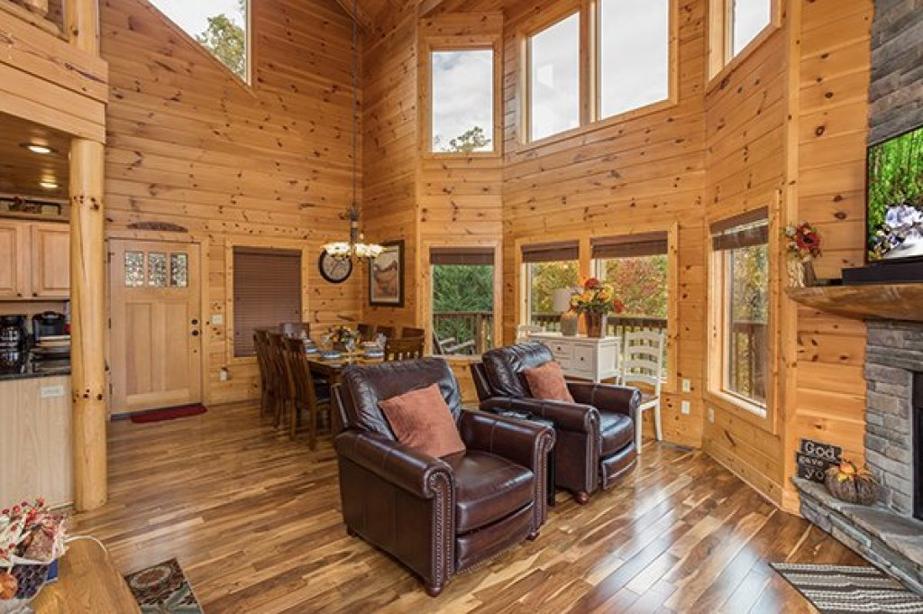 Photo of a Pigeon Forge Cabin named Southern Sunrise - This is the sixth photo in the set.