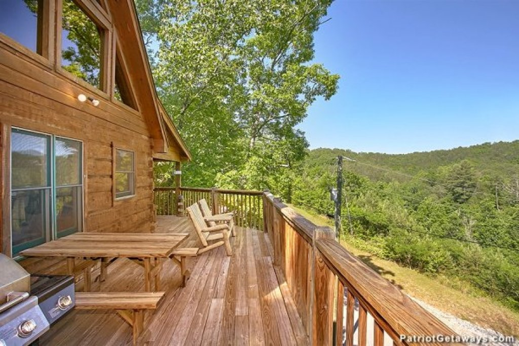 Photo of a Pigeon Forge Cabin named Picture Perfect Hideaway - This is the thirteenth photo in the set.