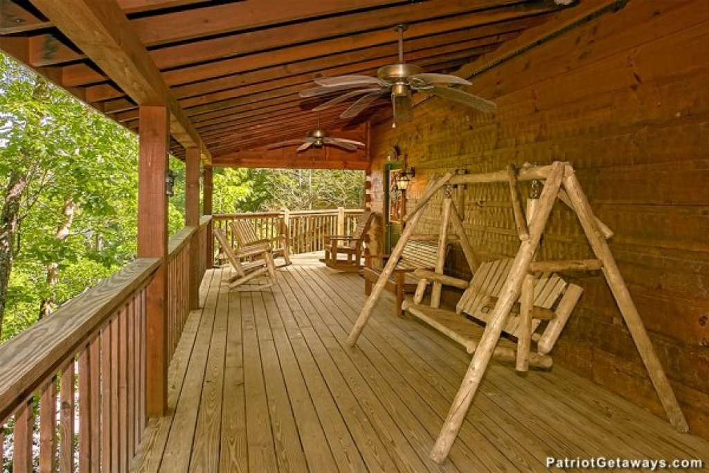 Photo of a Pigeon Forge Cabin named Picture Perfect Hideaway - This is the nineteenth photo in the set.