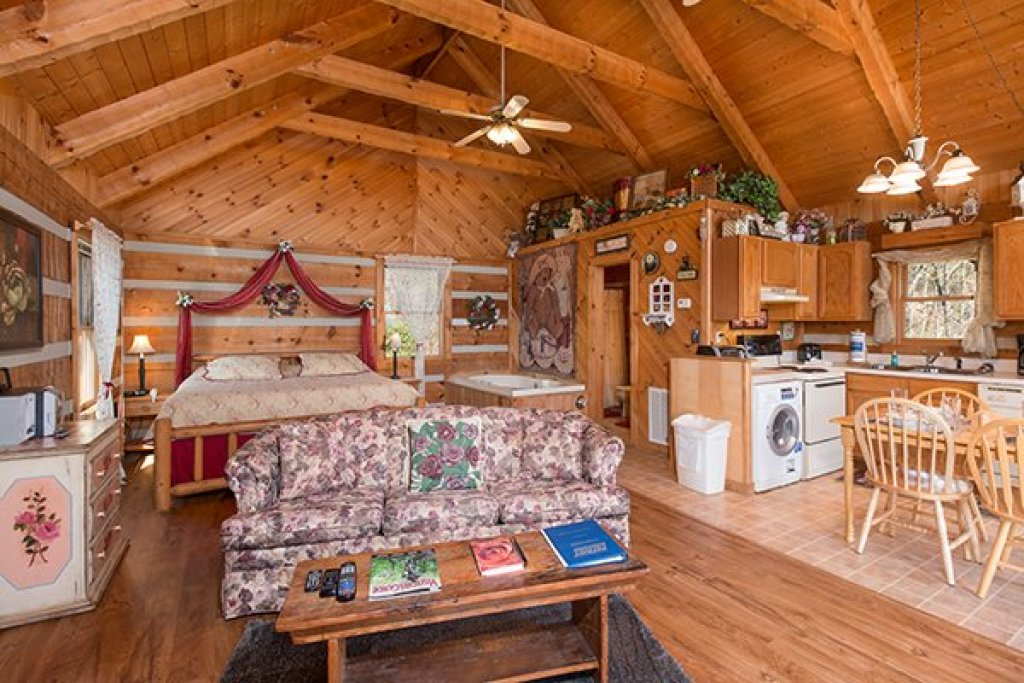 Photo of a Sevierville Cabin named Do Not Disturb - This is the fourth photo in the set.