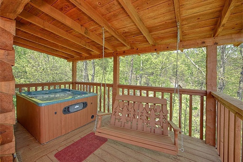 Photo of a Sevierville Cabin named Do Not Disturb - This is the fifth photo in the set.