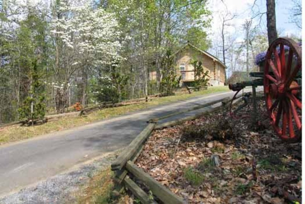 Photo of a Sevierville Cabin named Forever Yours - This is the second photo in the set.