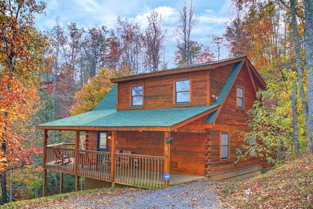 Photo of a Pigeon Forge Cabin named Picture Perfect Hideaway - This is the thirty-first photo in the set.