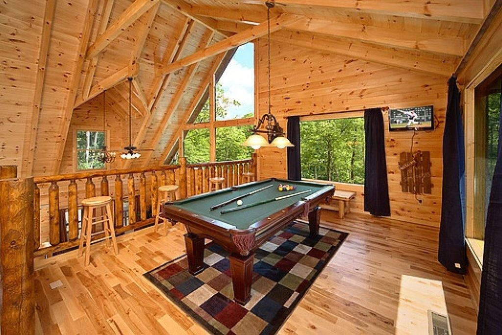 Photo of a Gatlinburg Cabin named Pool House - This is the fourth photo in the set.