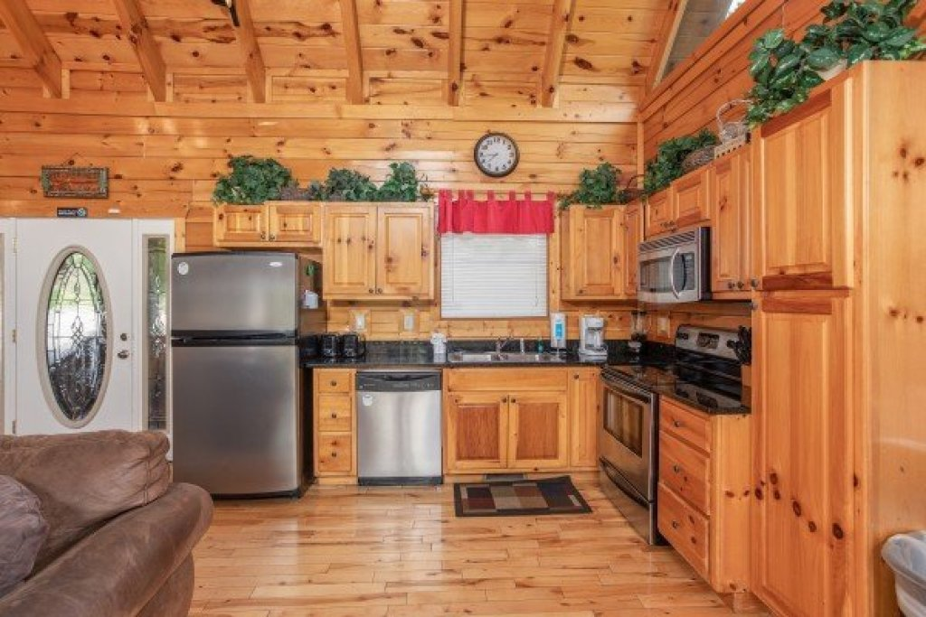 Photo of a Gatlinburg Cabin named Summit View - This is the sixth photo in the set.