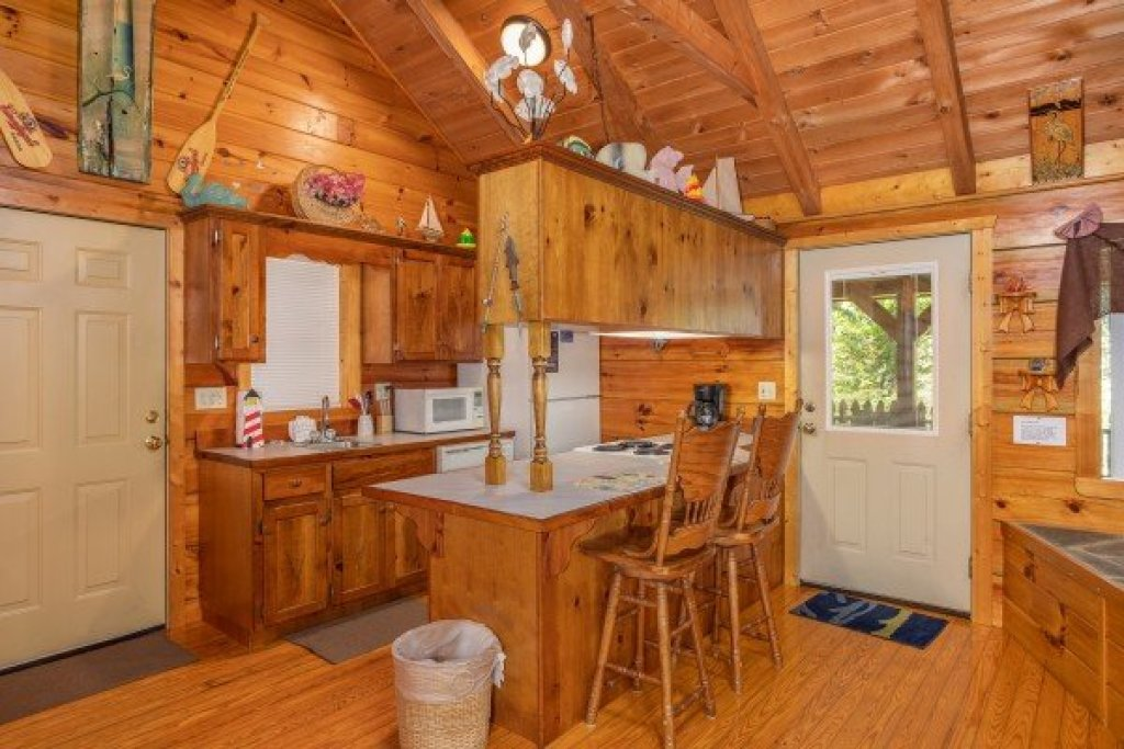 Photo of a Sevierville Cabin named Forever Yours - This is the eighth photo in the set.