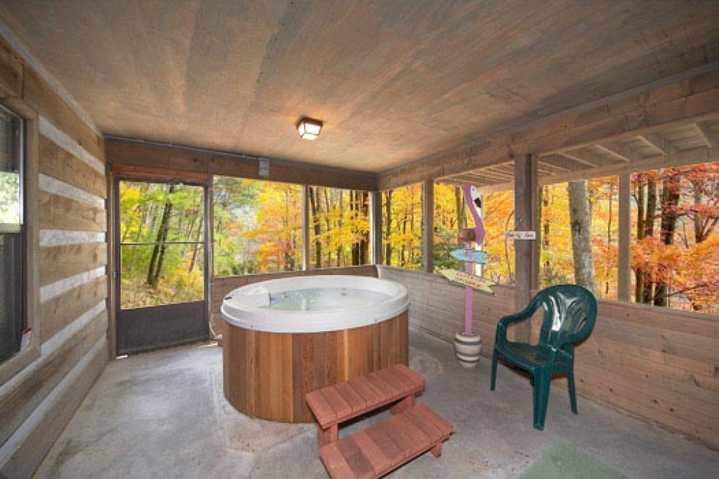 Photo of a Pigeon Forge Cabin named Raccoon's Rest - This is the tenth photo in the set.