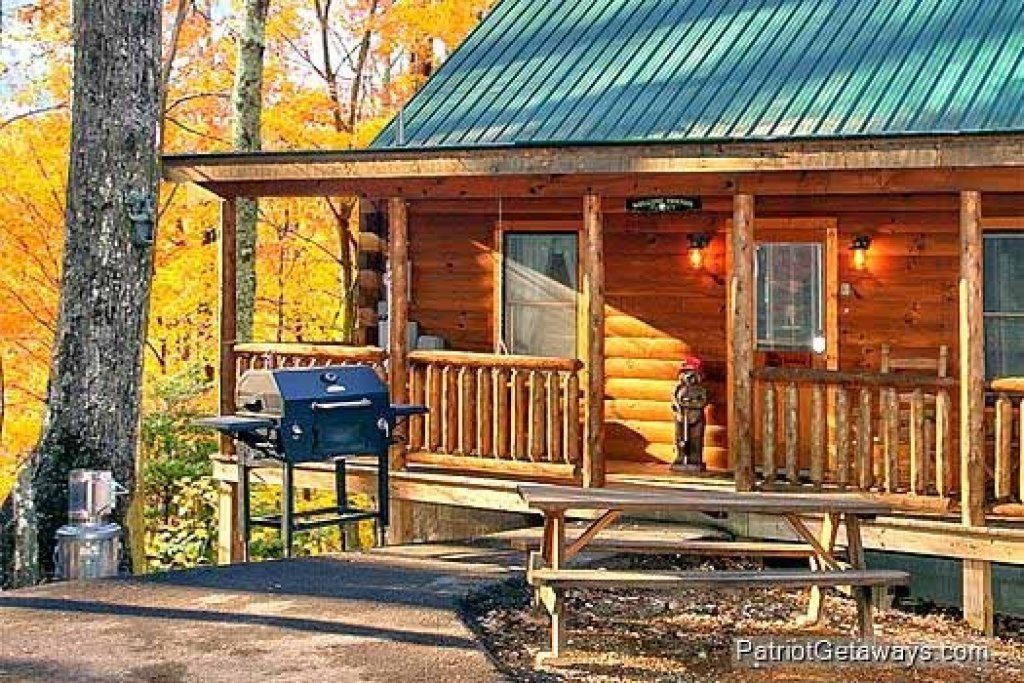 Photo of a Gatlinburg Cabin named Tucked Away - This is the fourteenth photo in the set.
