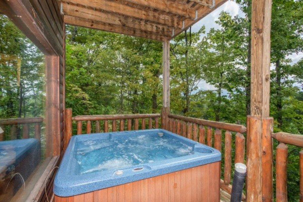 Photo of a Gatlinburg Cabin named Summit View - This is the twenty-third photo in the set.