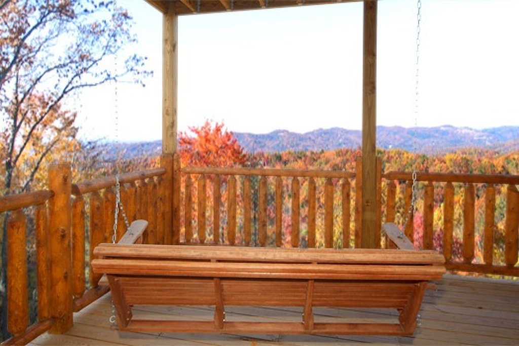 Photo of a Gatlinburg Cabin named Moose Mountain Lodge - This is the nineteenth photo in the set.