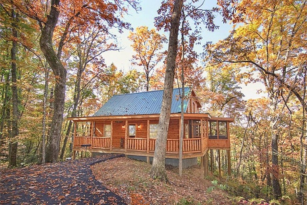 Photo of a Gatlinburg Cabin named Tucked Away - This is the fifteenth photo in the set.
