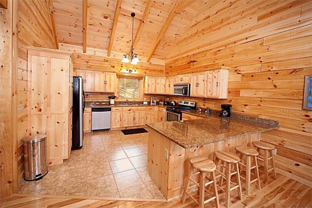 Photo of a Pigeon Forge Cabin named Log Wild! - This is the seventh photo in the set.