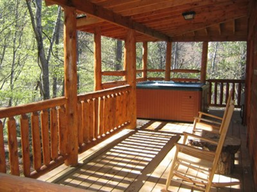 Photo of a Gatlinburg Cabin named Fishing Bears - This is the tenth photo in the set.