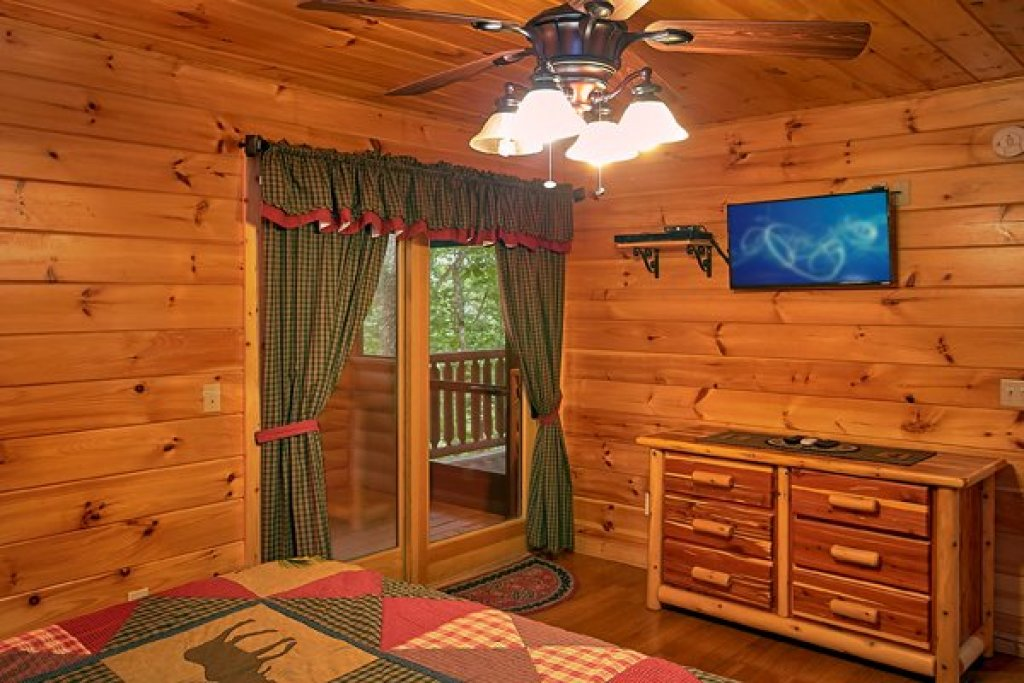 Photo of a Sevierville Cabin named Mountain Wonderland - This is the eighteenth photo in the set.