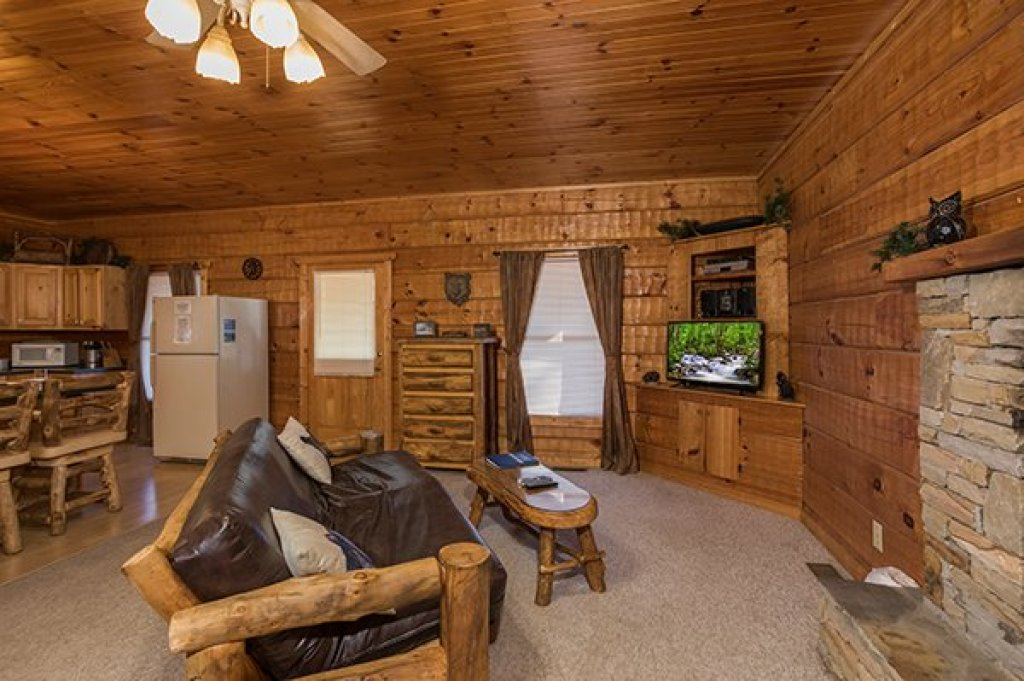 Photo of a Pigeon Forge Cabin named Mountain Magic - This is the fifth photo in the set.