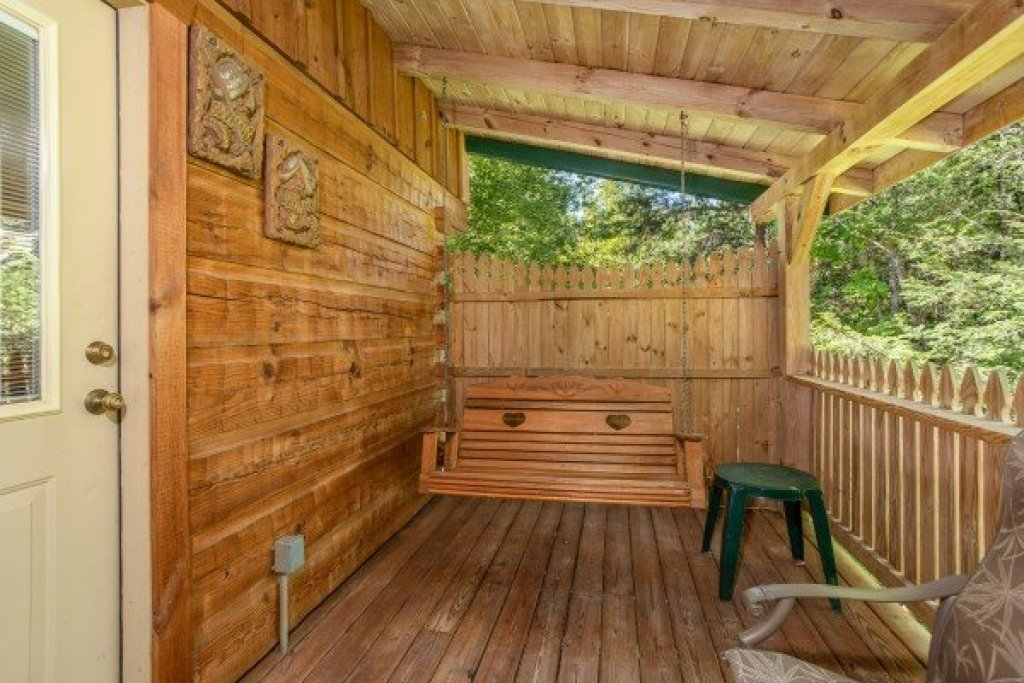 Photo of a Sevierville Cabin named Forever Yours - This is the thirteenth photo in the set.