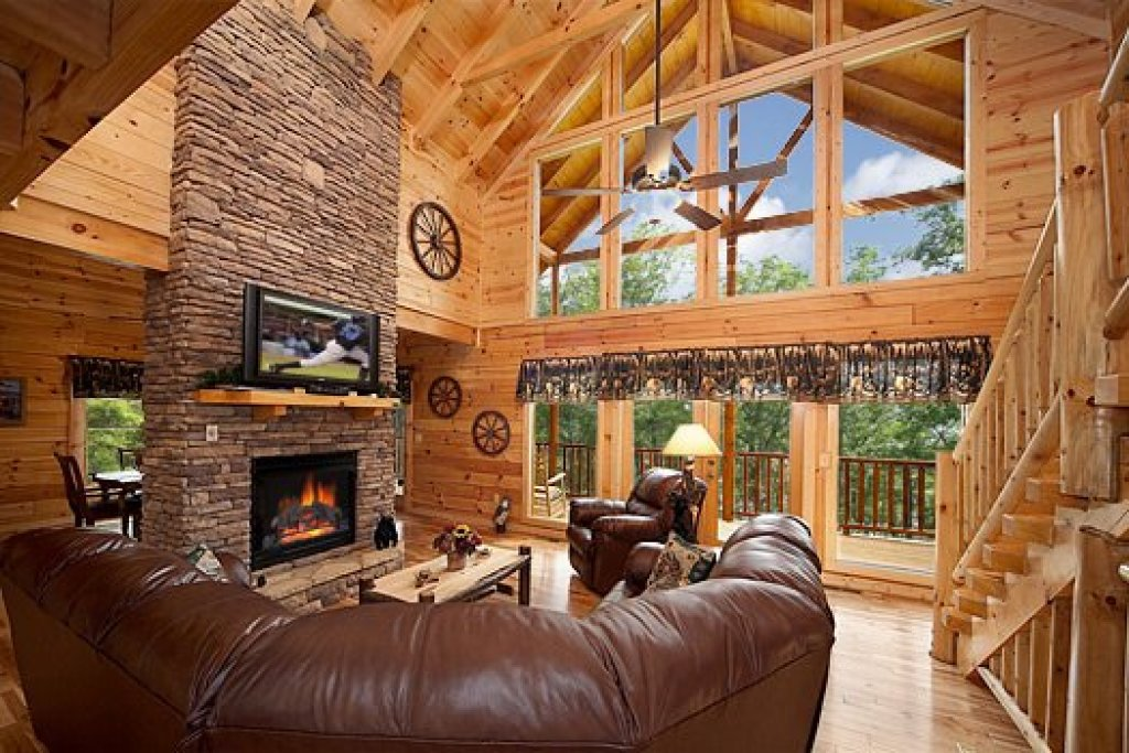 Photo of a Pigeon Forge Cabin named Log Wild! - This is the fifth photo in the set.