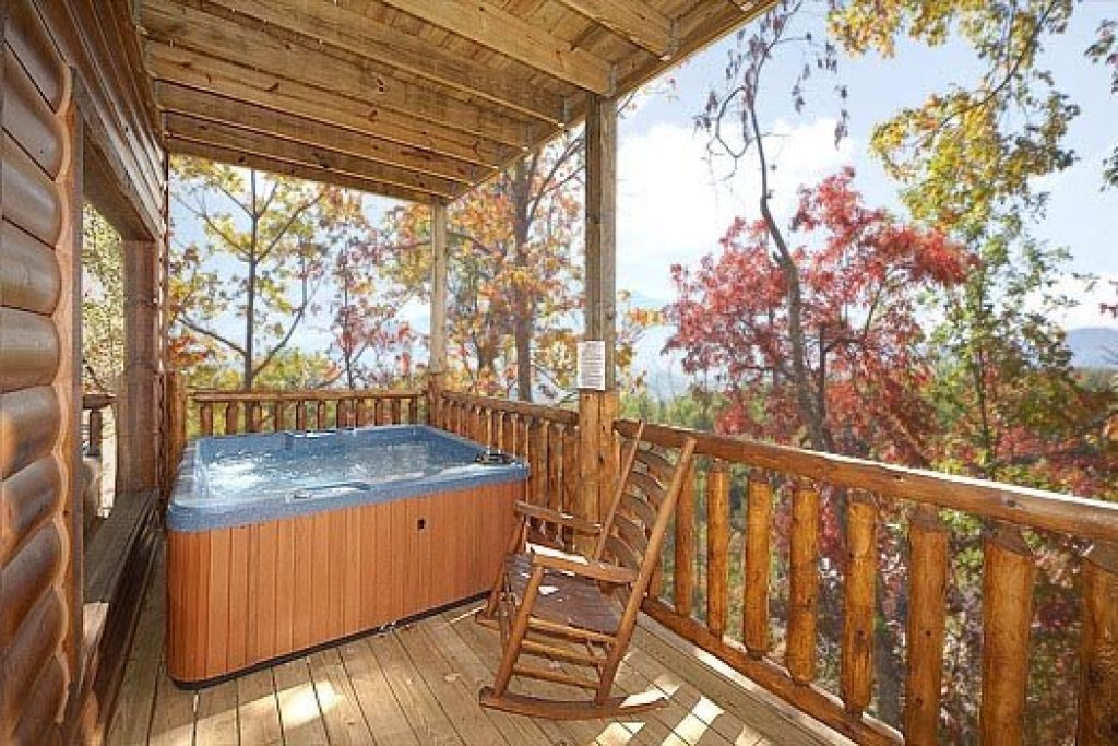 Photo of a Gatlinburg Cabin named Summit View - This is the twenty-second photo in the set.