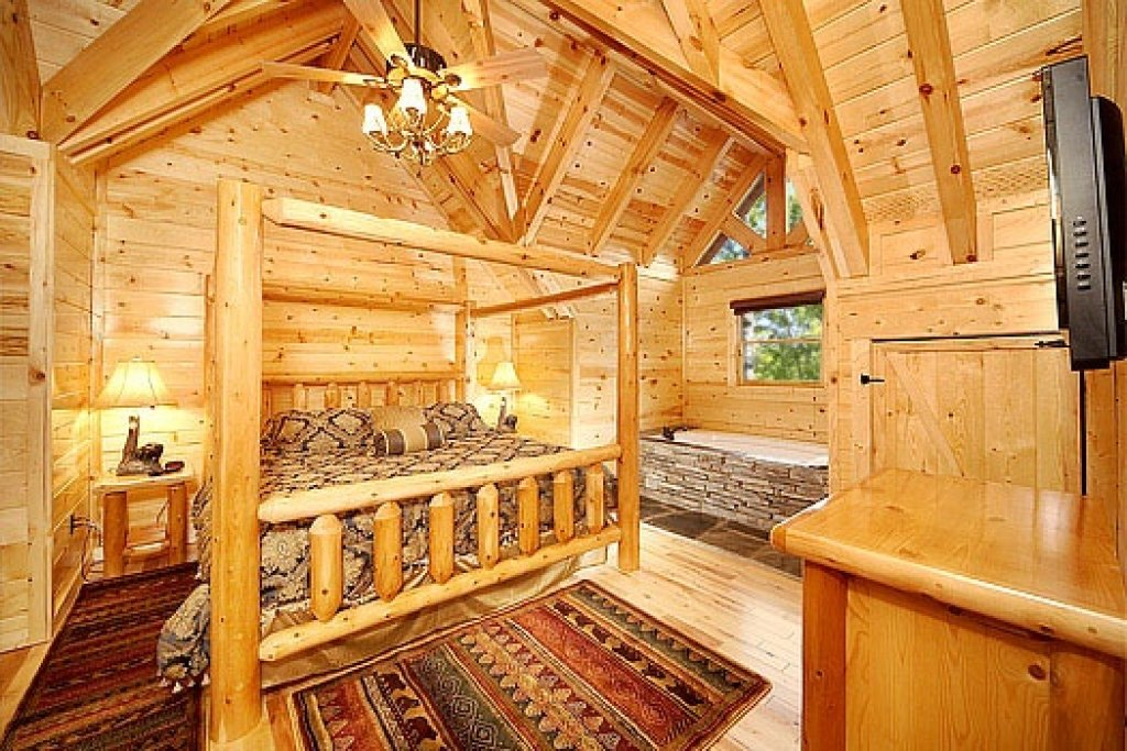 Photo of a Gatlinburg Cabin named Incredible! - This is the nineteenth photo in the set.