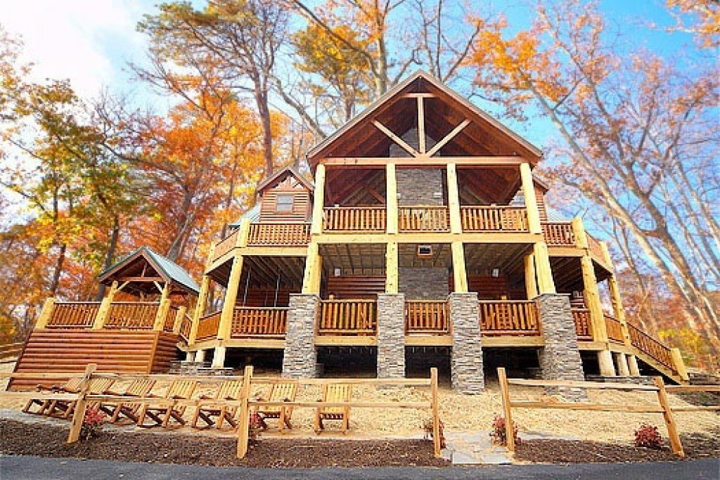 Photo of a Gatlinburg Cabin named Incredible! - This is the thirty-fourth photo in the set.