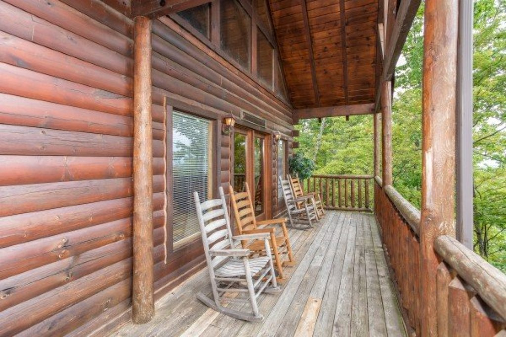 Photo of a Gatlinburg Cabin named Summit View - This is the eighth photo in the set.